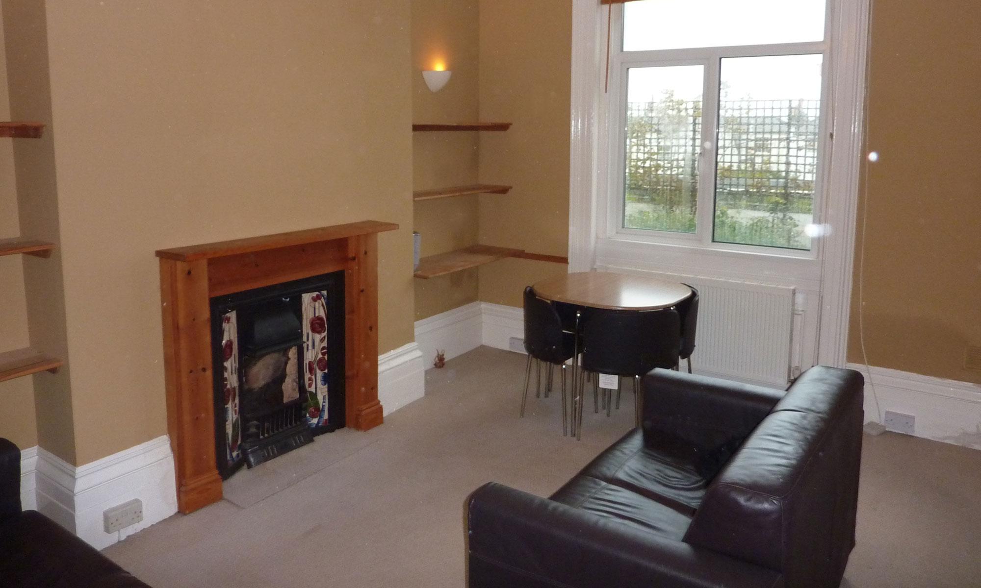 Powis-Grove-one-bedroom-lounge-2