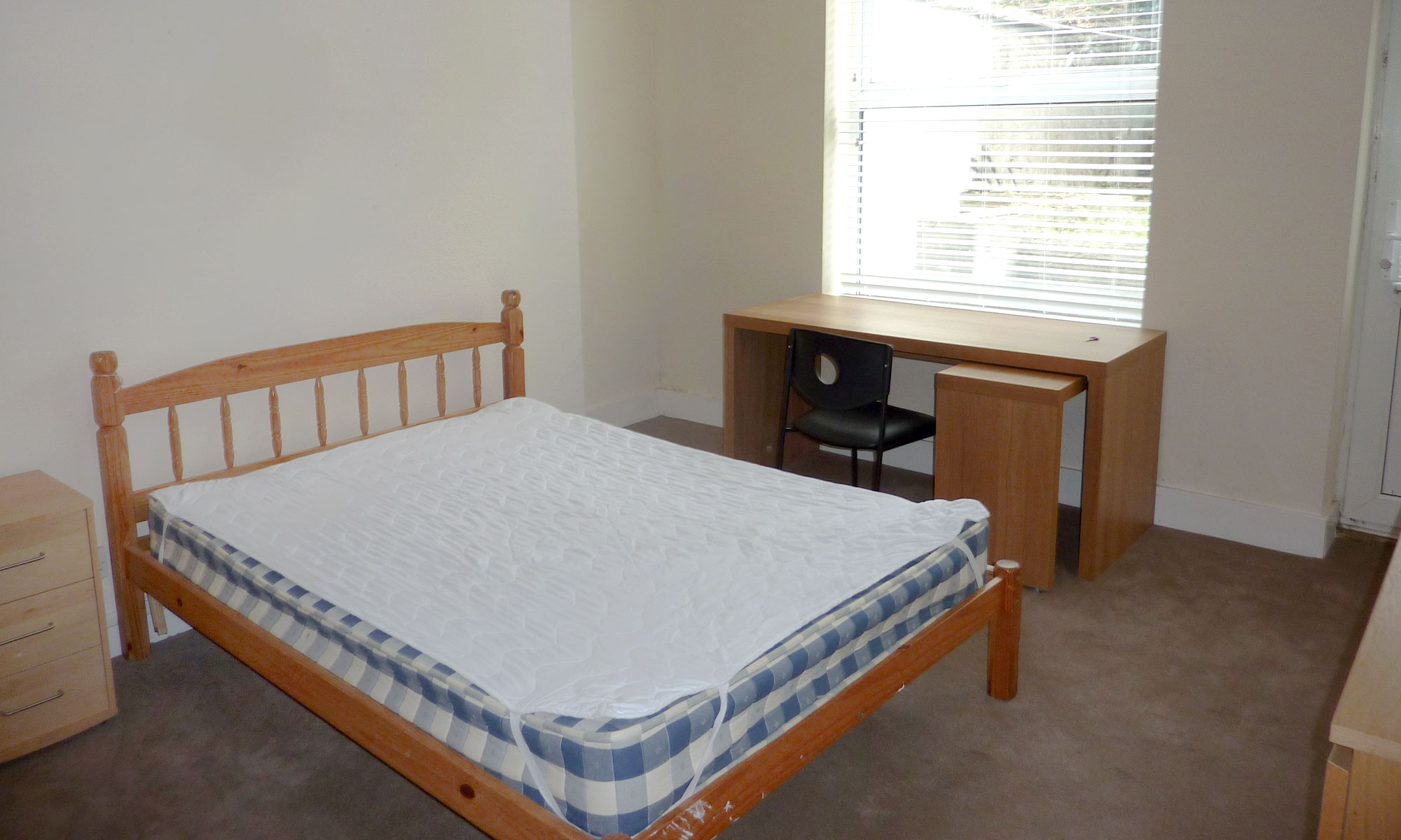 Powis-Grove-two-bedroom-bedroom-1-2
