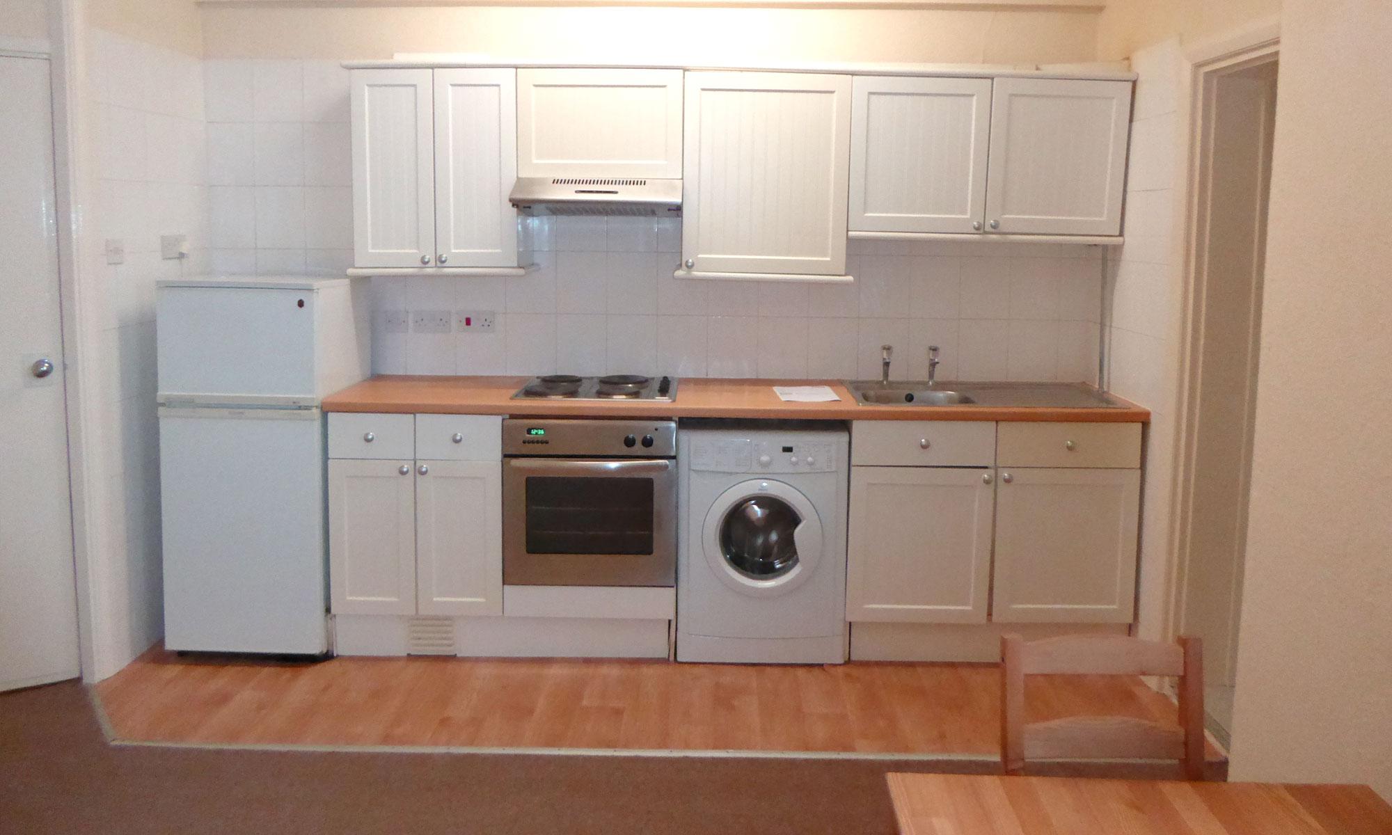 Powis-Road-one-bedroom-kitchen