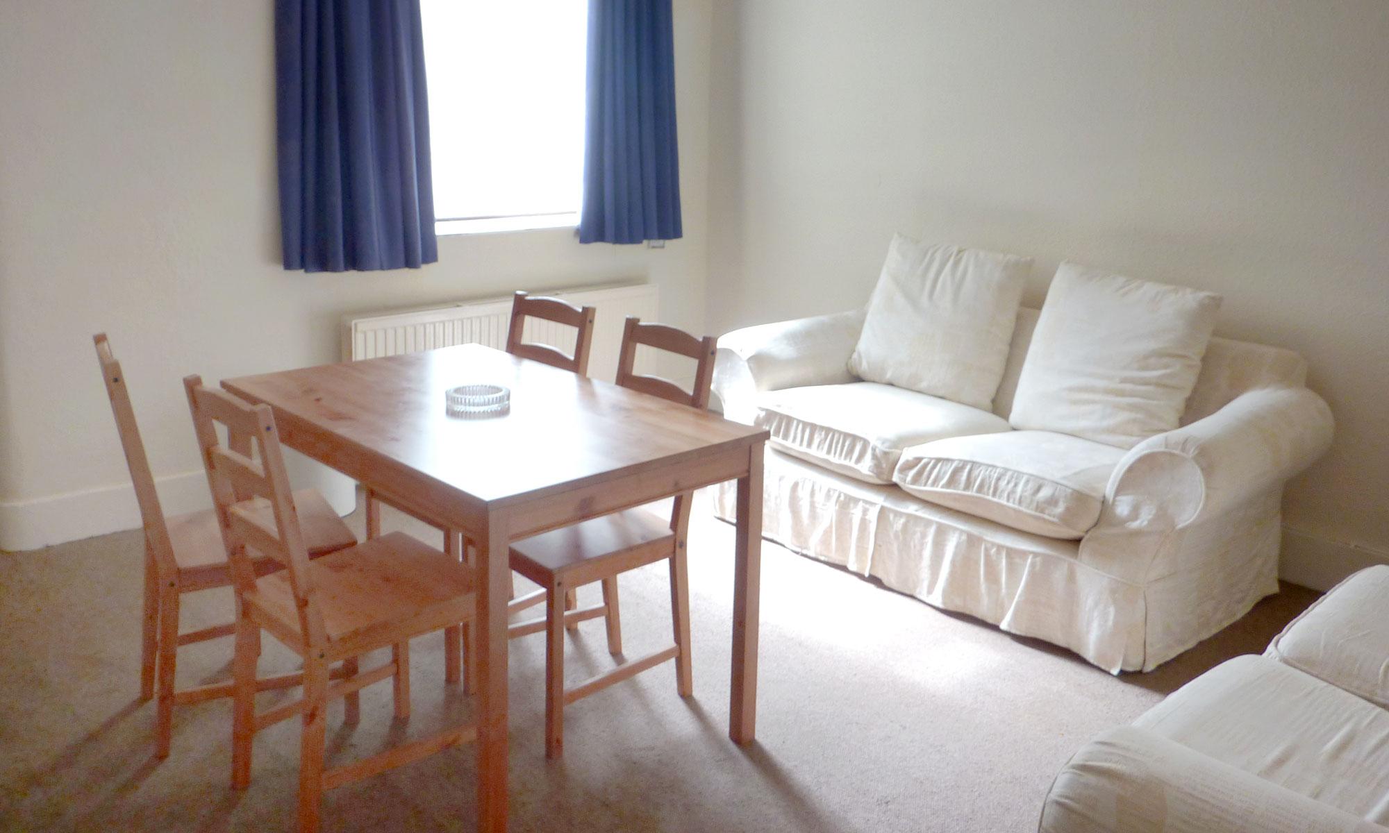 Powis-Road-one-bedroom-lounge-2