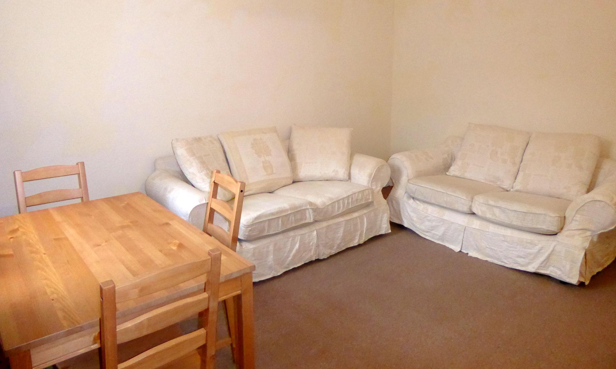 Powis-Road-one-bedroom-lounge