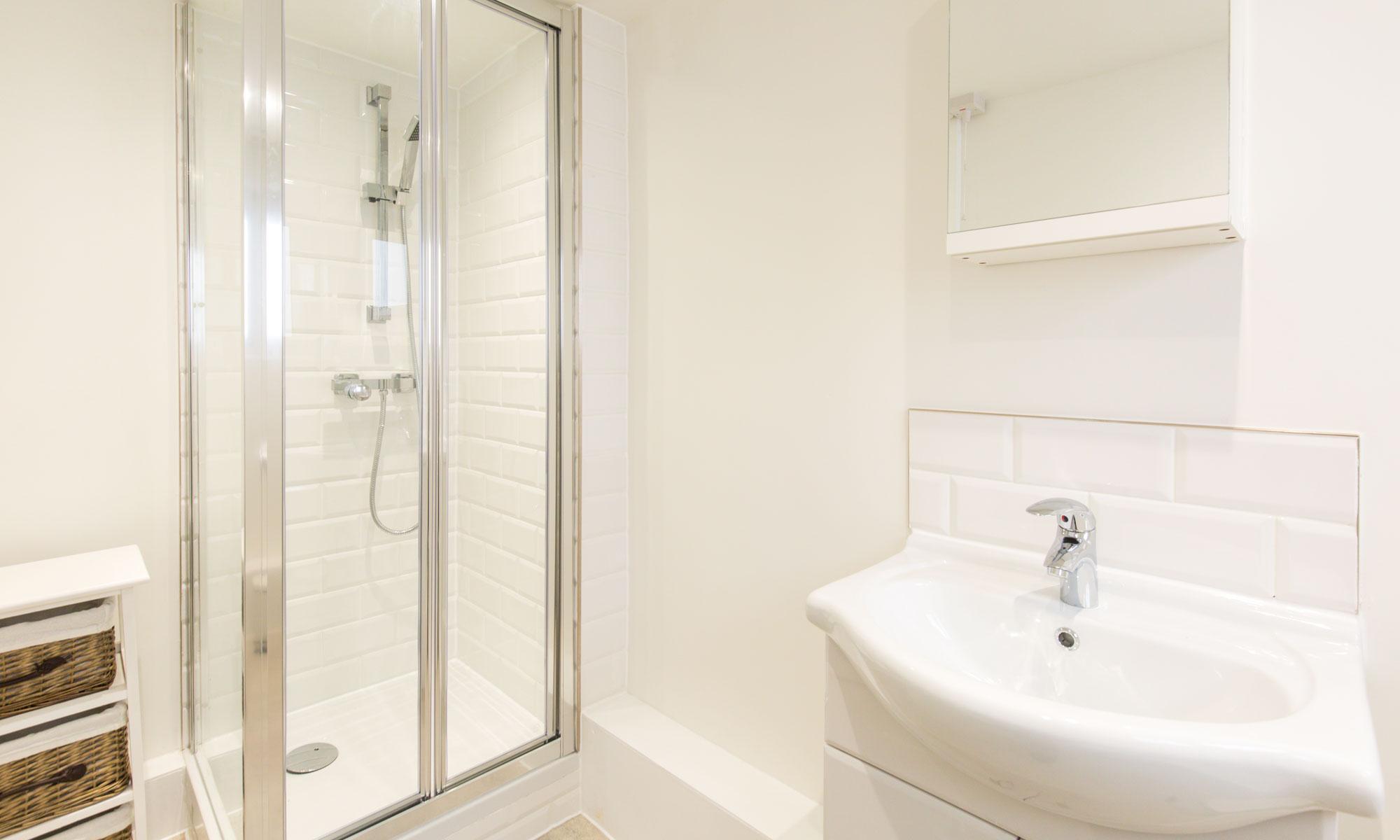 12-Bedford-square-1-bathroom